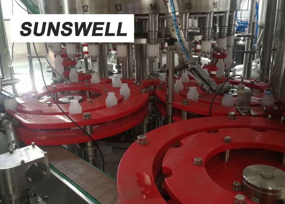 Customized Juice Filling Equipment  Blowing  All Sides Of Bottles With Fast Flowing Air.