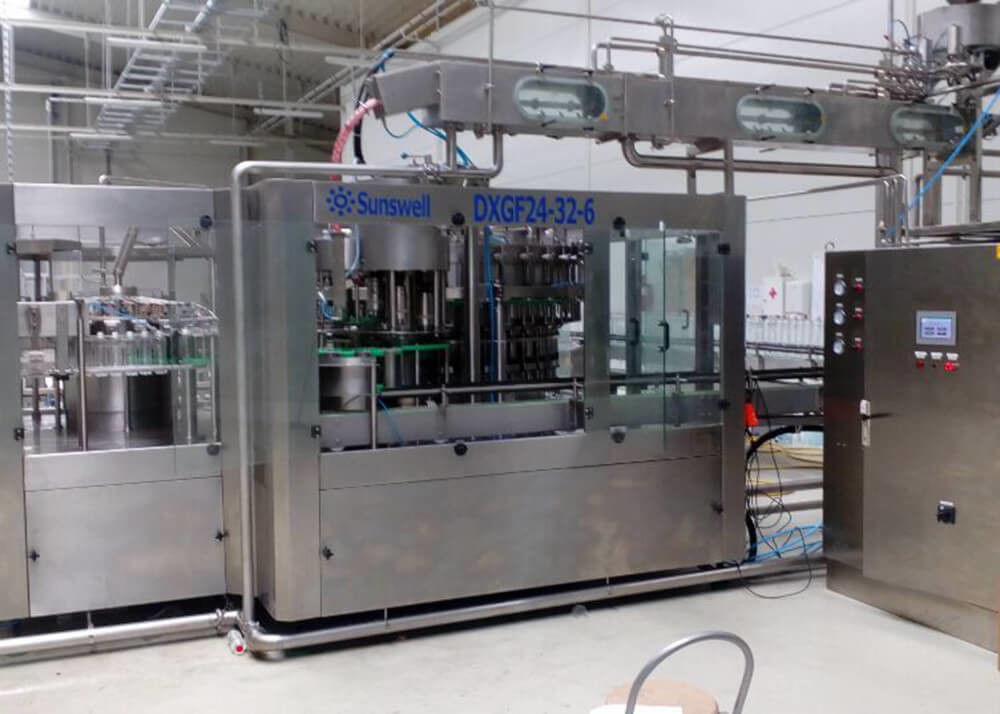 Pet Bottle Liquid Production Line Rinsing Filling Capping 3 In 1 Monoblock Machine